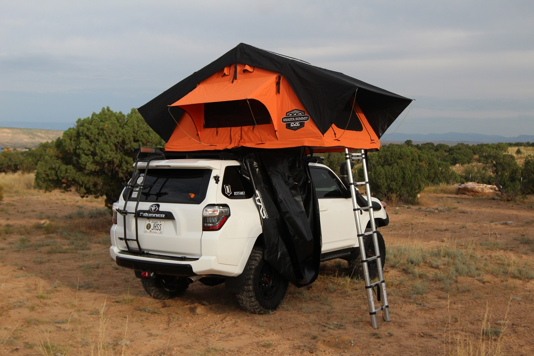 & CVT Mt. Shasta Standard Summit Roof Top Tent